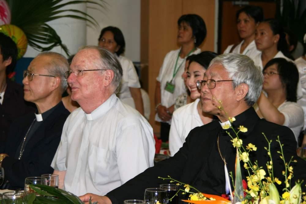 Cardinal Zen, Bishop Tong & Fr Hanly (5)-min